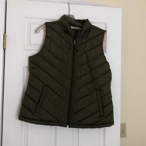 Gap puffer vest! NWOT!
